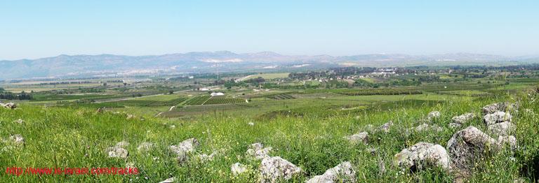 Вид на заповедники и горы с возвышенности Гиват ха-Эм